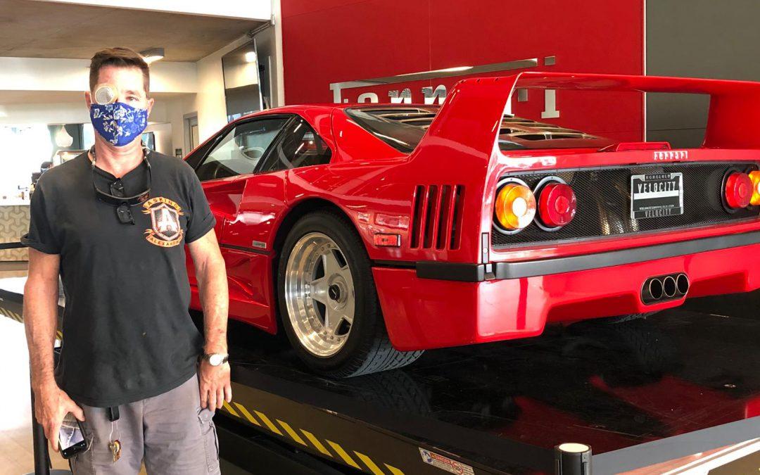 Ferrari F40, Velocity Hawaii.
